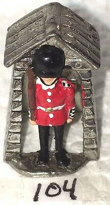 """Thimble Sewing Souvenir 1 1/4"""" Pewter Beefeater London Tower Guard ER"""