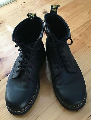 Black mens Air Wair leather boots, 42 (UK 9, US 11), Doc Martens