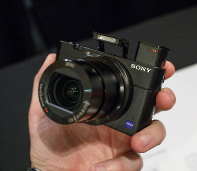 Sony Cyber-Shot DSC-RX100 V Digital Camera Stock in EU meilleur