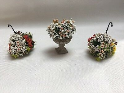 1:12 Scale Dolls House Flowers Hanging Baskets X 2 And Planter