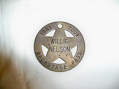 (Q) Willie Nelson Brass Backstage Pass (1981) Souvenir