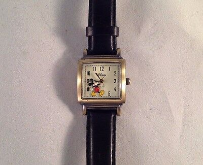 """SII Disney Mickey Mouse Gold Tone Black Leather Band Wrist Watch 8-3/4"""" Long"""