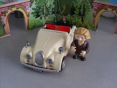 Postman Pat Friction Powered Dr Gilbertson And Car