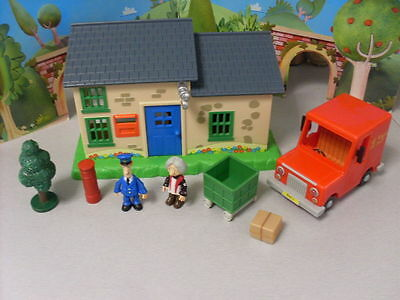 Postman Pat Sds  --  Post Office With Van And Figures