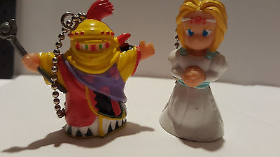Final Fantasy VI Set of 2 Keychains CELES CHERE as Maria Opera and GOGO FF6