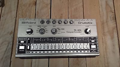 Great Cond. Roland TR 606 Drumatix Vintage Analog Drum Machine +Cables+Manual