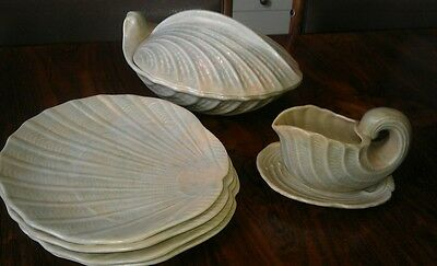Shorter and son Art Deco Shell Patern Tureen Sauce Boat  & 4 Plates