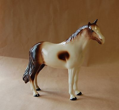 MELBA WARE Brown and cream horse figure
