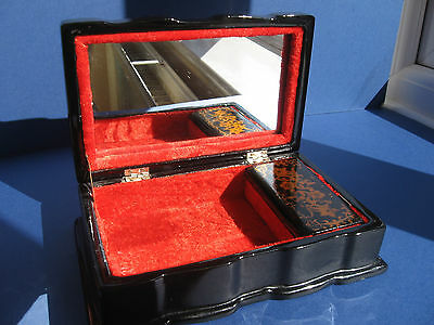 Oriental Lacquer Inlaid Mother Of Peal Trinket Box