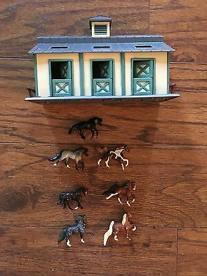 Breyer stable with Dutch doors and 7 horses