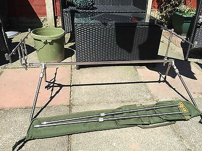 solar tackle stainless globetrotter rod pod with 3 rod buzz bars