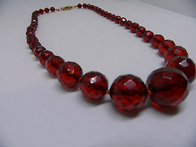 """Vintage Faceted Cherry Amber Bakelite Bead Necklace 17""""  18.8 Grams"""