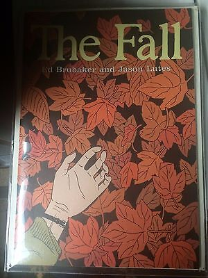The Fall #1 (Drawn & Quarterly) - Ed Brubaker, Jason Lutes, Hard to Find, 2001