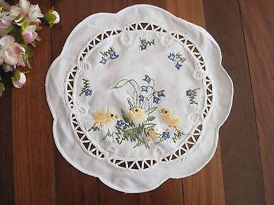 Country Style Yellow Chicken Blue Flower Ribbon Embroidery White Cotton Doily