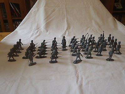 Airfix plastic 1.32 scale French Napoleonic Imperial Guard toy soldiers.