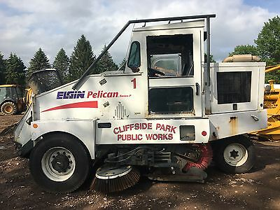 2003 Elgin Pelican Series P Sweeper