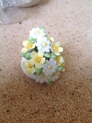 Royal Doulton Ornament Flower Posy Bouquet In A Shell Dalton