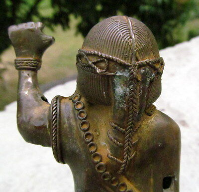 COLOMBIAN GOLD COPPER TUMBAGA - Rare - Woman hand in the air. Very old piece