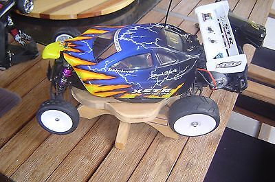 R C electric car/buggy/off road  very clean