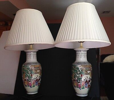 Pair Vintage Asian Chinese Hand Painted Porcelain Lamps Wood Base