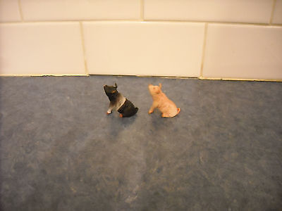 Lot B: Breyer Stablemate Farm Sitting Pigs Pink B&w Play Set Mini Doll House Toy