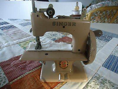 Vintage Singer T20 Child's Sewing Machine with clamp