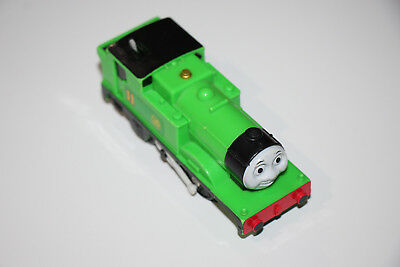 Thomas The Tank Engine TOMY MOTORISED OLIVER RARE AND RETIRED with Carriages