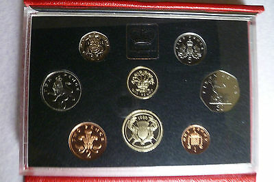 UK QEII Royal Mint Red Leather Deluxe 1986 Proof Coin Set