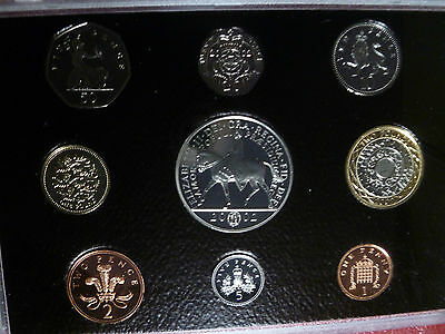 UK QEII Royal Mint Red Leather Deluxe 2002 Proof Coin Set