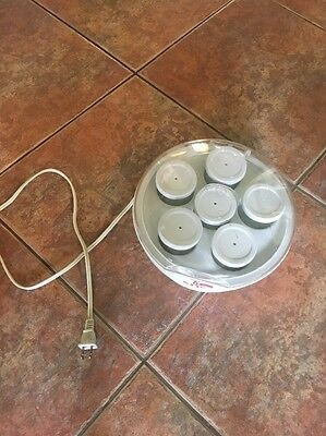 Yogurt Maker!!!!!!!!! Awesome Deal, Glass Jars And Good Condition.