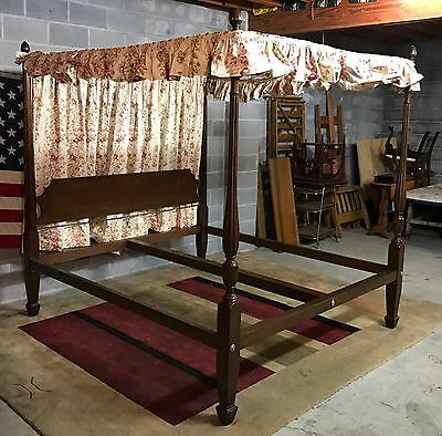 Virginia Craftsman - Authentic Federal Reproduction King Size Canopy Poster Bed
