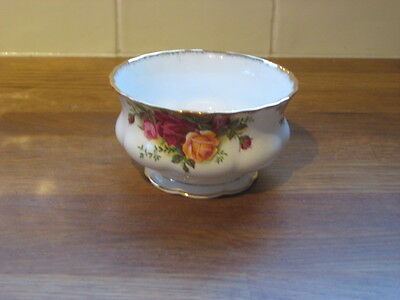 Vintage Royal Albert 'Old Country Roses' Sugar bowl