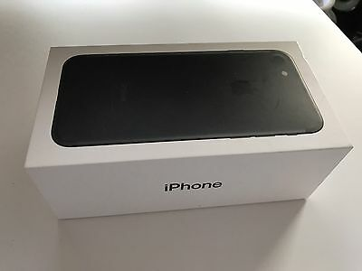 iPhone 7 32GB Black Box And Manuals Genuine Excellent Condition