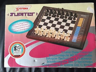 Systema Jupiter Vintage 1994 Electronic Chess Set. 72 Level Chess Computer.o92
