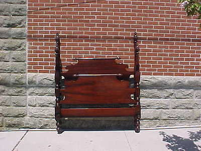 VINTAGE 1940s MAHOGANY PINEAPPLE TOP 4 POSTED FULL SIZE BED