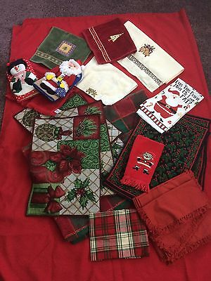 Lot Of Christmas Linens - Miscellaneous