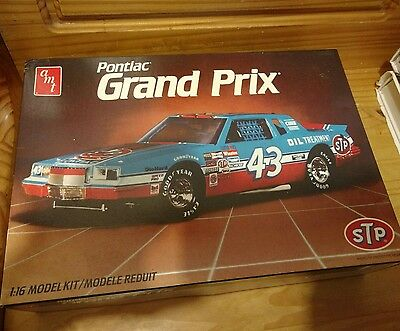 AMT Pontiac Grand Prix Richard Petty 1/16 scale stock car kit