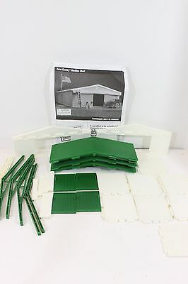 Ertl Farm Country Machine Shed Barn GREEN & WHITE-ALL PARTS & INSTRUCTIONS-FUN!