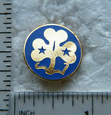 Canada  / Girl Guides  - Brooch / Lapel Pin.