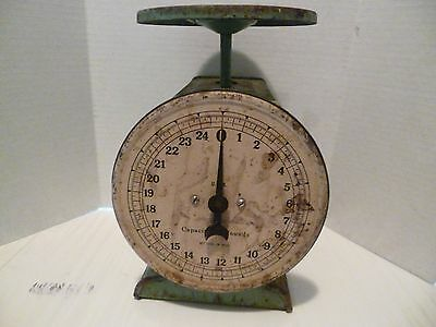 Vintage Heavy Metal 25 lb Green Weight Scale USA