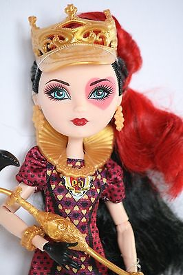 Ever After High Doll Lizzie Hearts Tricastleon unbespielt display
