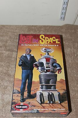Lost in Space Polar Lights Figure Model Kit Robot B-9 & Dr. Zachary Smith #5019