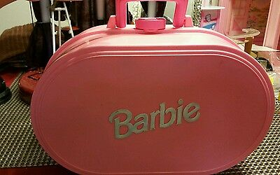 Vintage Barbie Pop up house/case all furnished working condition