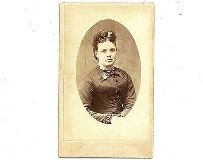 Antique CDV Photo Pretty Young Lady Stratford Ontario Vintage Photograph
