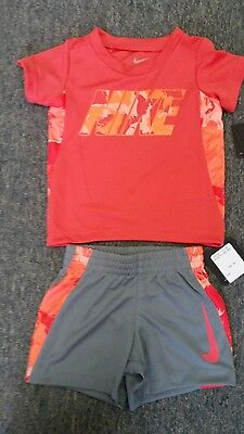 Adorable infant boys Nike size 12 month two 2-piece Tee and shorts set NWT