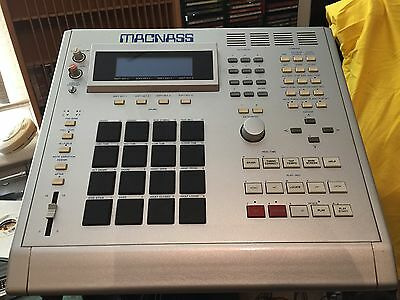 AKAI MPC 3000 Full RAM 3.50 Vailixi O.S. (Customized by Bruce Forat)