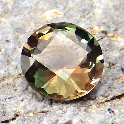 GREEN-BLUE-PINK-PEACHY MULTICOLOR OREGON SUNSTONE 1.33Ct FLAWLESS-TOP RARITY!!