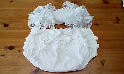 baby girls white frilly pants/knickers with socks and bows size 0-3 months new