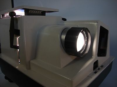 VINTAGE Revere 505 Slide Projector with Bulb, Cord & Case