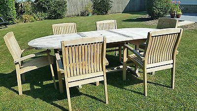 Garden table and six chairs.